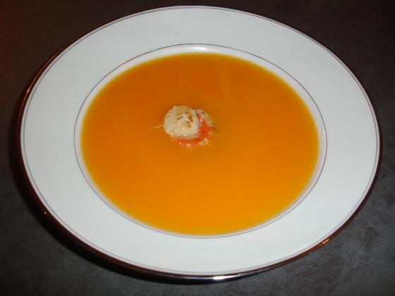 Velouté de carottes à l'orange et Saint-Jacques