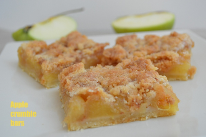 Apple crumble bars