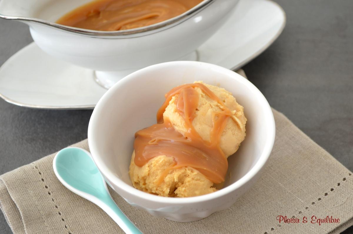 Glace au caramel beurre salé de Pierre Hermé sauce au caramel