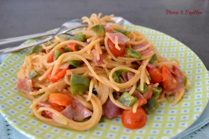 One pot pasta pancetta poivron et tomates cerise