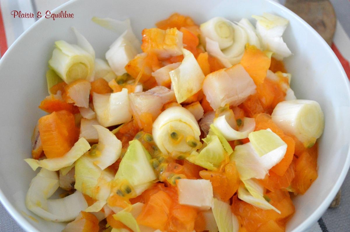 Salade d'endives aux kakis, fruits de la passion et haddock